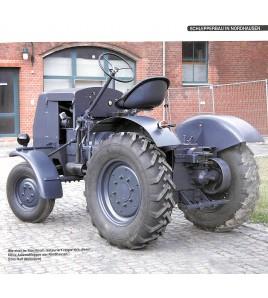 DDR-Traktoren aus Nordhausen Voorkant